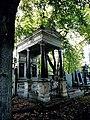 Cmentarz Mater Dolorosa - mauzoleum Goetzlerów1.jpg