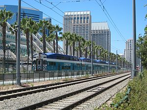 Coaster (commuter rail) - Bombardier BiLevel coaches, with a cab car in the fore, in San Diego.