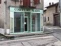 Coiffure Mado, place de la Pompe au Mas Rillier (Miribel).jpg