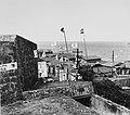 Collectie Nationaal Museum van Wereldculturen TM-20016554 Slums bij fort San Christobal in San Juan Puerto Rico Boy Lawson (Fotograaf).jpg