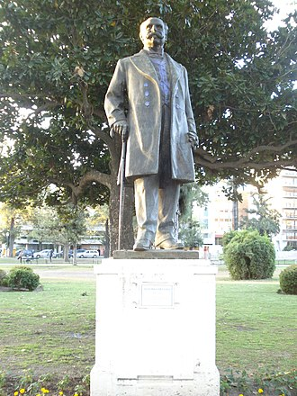 Villa Devoto - Monument to Antonio Devoto, the ward's namesake, in Arenales Square. Created by sculptor Luis Perlotti, it was unveiled in 1958.