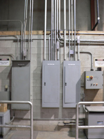 English: Electrical conduit and junction boxes.