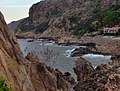 Corsica - Porto - the waves in the tip of the Bay - panoramio.jpg