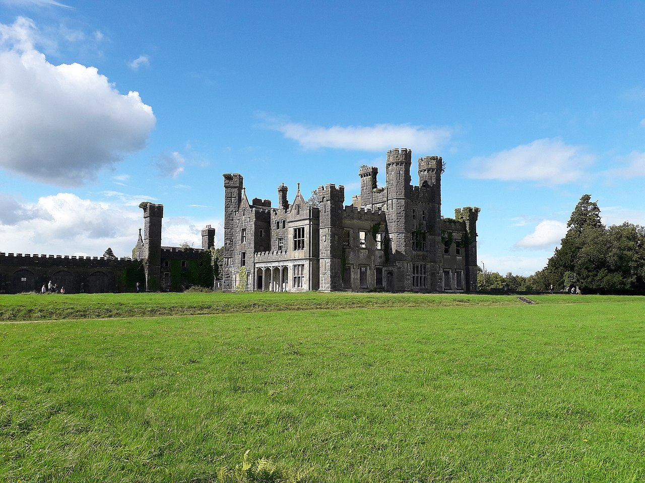 Saunderson Castle during the day