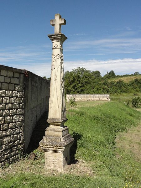 Cousances-les-Forges (Meuse) croix de chemin