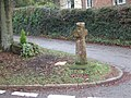 Cross at fork in road at Shillingford St George - geograph.org.uk - 1149479.jpg