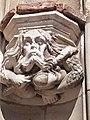 Culot sur l'un des piédroits (porte Dominique de Florence).jpg