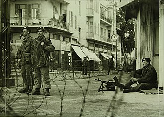 Curfew - British paratroopers enforce curfew in Tel Aviv after King David Hotel bombing, July 1946. Photographer: Haim Fine, Russian Emmanuel collection, from collections of the National Library of Israel.