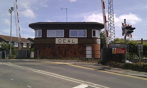 Deal signal box