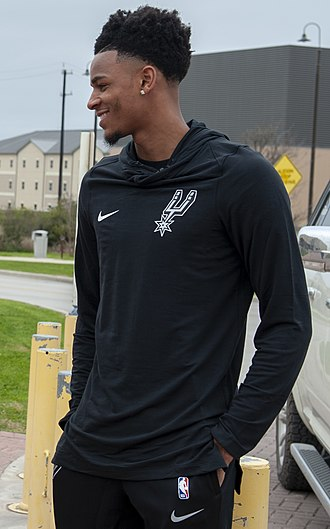 Dejounte Murray - Murray at Joint Base San Antonio in 2019