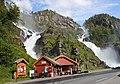 Der Zwillingswasserfall Latefossen in Norwegen. IMG 2263WI.jpg