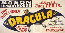 Affiche ancienne du «Mason Opera House» avec une chauve-souris aux ailes ouvertes, noire avec écrit Dracula en lettres jaunes sur le corps