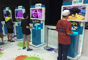 Splatoon - Attendees at the EB Games Expo 2015 play online matches of Splatoon