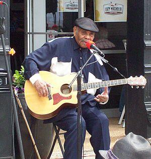 Eddie Cusic - Cusic performing in 2014