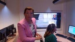 Bestand:Een rondleiding bij Omroep Brabant - Bij de regie.webm