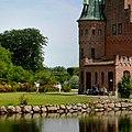 Egeskov Slot spejling section.jpg