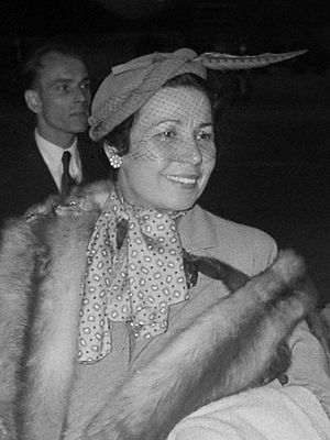 Elena Nikolaidi - Elena Nikolaidi (1953)