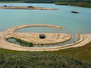 Robert Smithson - Image: Emmen Smithson Broken Circle