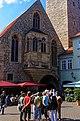 Erfurt - Wenigemarkt - View NW on Entrance to Krämerbrücke.jpg