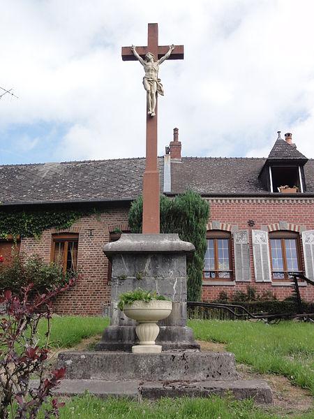 Erloy (Aisne) grande croix de chemin