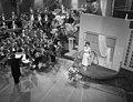 Eurovisie Songfestival. Lys Assia (Zwitserland), Bestanddeelnr 909-4008.jpg