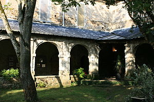 Abbey of Blanche-Couronne - Cloister of the Abbey of Blanche-Couronne