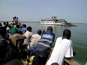 Lake Volta - Image: Ferry Lake Volta