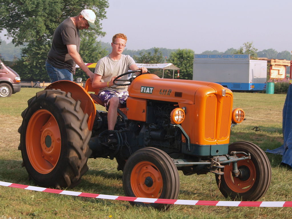 file fiat 411r jpg wikimedia commons rh commons wikimedia org fiat 411r service manual fiat 411r tractor workshop manual