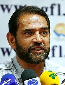 فیروز کریمی - ویکیپدیا، دانشنامهٔ آزاد
