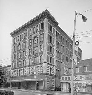Mowbray and Uffinger - Image: First National Bank Connellsville Pa