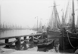 Grimsby - Grimsby fishing docks, c. 1890