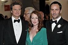 Le cinéaste à la Mostra de Venise 2009, aux côtés de ses acteurs Julianne  Moore et Colin Firth, têtes d affiche de A single man. 95e96b475b03