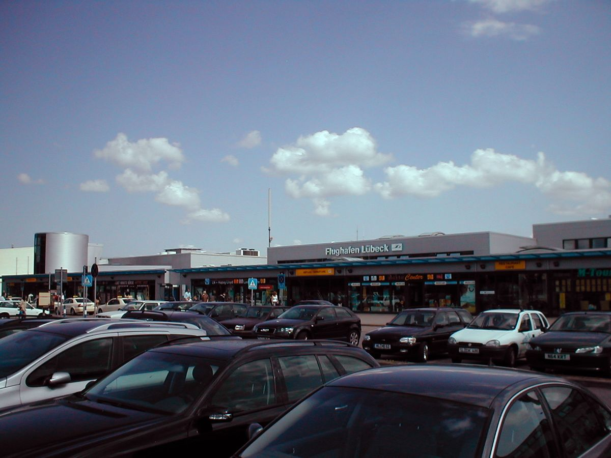 Lübeck Airport - ...