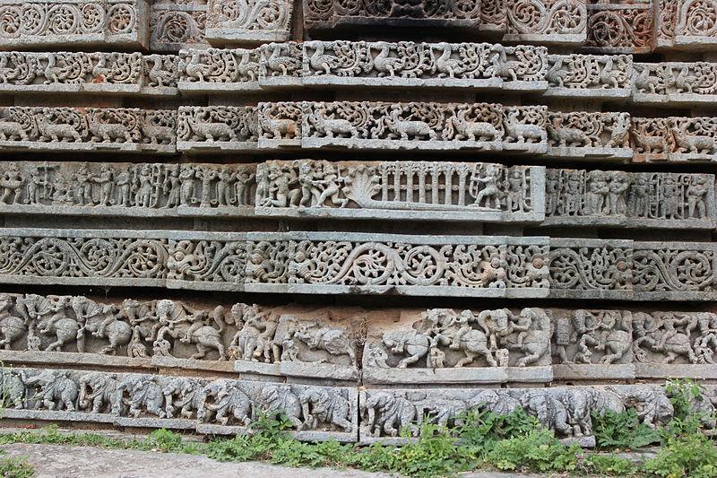 File:Friezes in Lakshminarasimha temple at Javagal.JPG