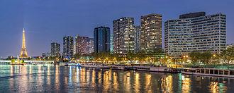 Front de Seine - Front de Seine at dusk