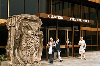 Fritz Klimsch - Image: Front entrance to Axel Springer headquarters in 1977 West Berlin