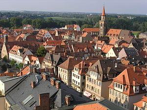 Fürth vom Rathausturm aus gesehen, rechts die Michaeliskirche