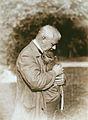 Gabriel von Max mit jungem Pavian.jpeg