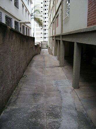 Garage (residential) - A garage in Belo Horizonte, Brazil