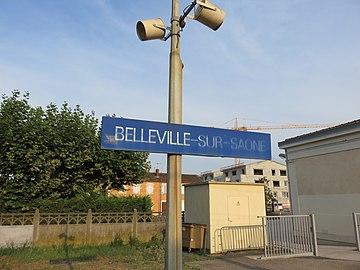 Gare de Belleville (Rhône) - Panneau gare (août 2018).jpg
