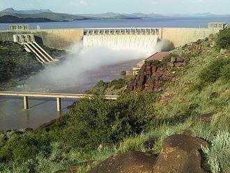 Gariep Dam - Image: Gariep dam overflowing in Jan 2011