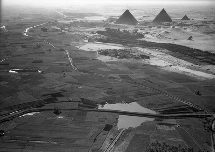 Aerial view from north of cultivated Nile valley with the pyramids in the background Giza-pyramids-uwm.png