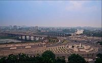 Gomti river in Downtown New Lucknow.JPG