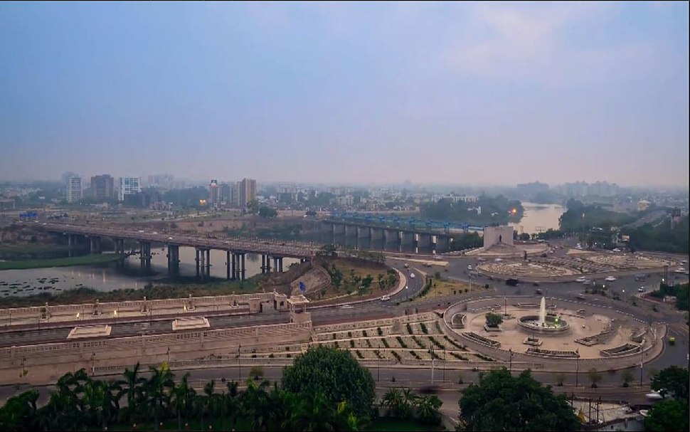 Gomti river in Downtown New Lucknow