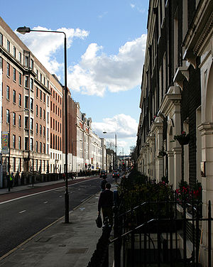 Development of Darwin's theory - The Darwins lived in Gower Street in London.