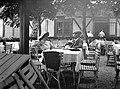 Graz, StájerországA Schlossbergre vezető kötélpálya állomása. Cholnoky Jenő földrajztudós Fink Idával. Fortepan 20007.jpg