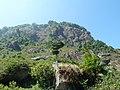 Gunung batu Mendelem - panoramio.jpg