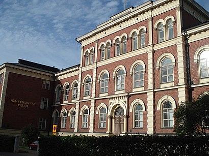 Kuinka päästä määränpäähän Hämeenlinnan Lyseon Lukio käyttäen julkista liikennettä - Lisätietoa paikasta