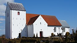 Hørning Church from south-west - panoramio.jpg