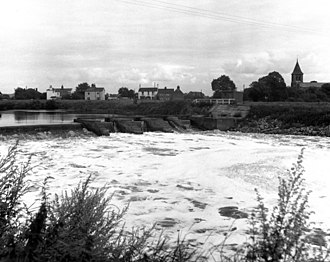 Alkylbenzene sulfonates - Extensive foaming of the River Aire, England - 1974